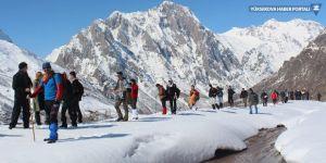 Yüksekova'nın karlı dağlarına yürüyüş