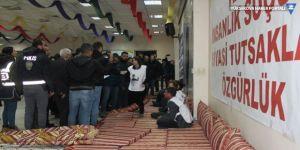 Diyarbakır'da açlık grevi yapan 5 kişi gözaltına alındı