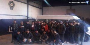 Van'da 15 kişilik minibüsten 39 kaçak göçmen çıktı