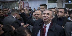Mansur Yavaş: Kürtçe slogan yazan adam atılacak