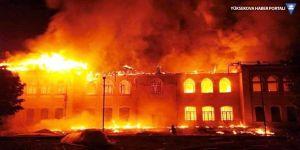 Tarihi okulda büyük yangın