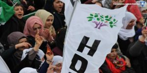 Gökçeada'da HDP'nin aracı takip edildi