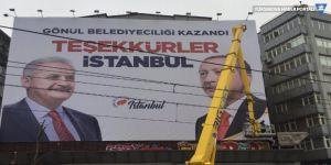 AK Parti İstanbul'u yeniden afişlerle donattı!
