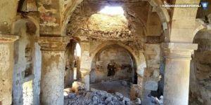 Tarihi Surp Kevork Manastırı çöktü