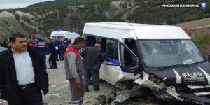 Mersin'de işçileri taşıyan minibüs devrildi: 11 yaralı