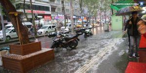 Diyarbakır'da dolu yağdı