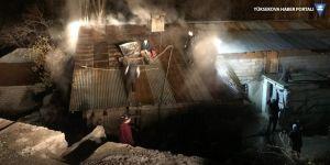 Şemdinli'de yangın: Ev kullanılamaz hale geldi!