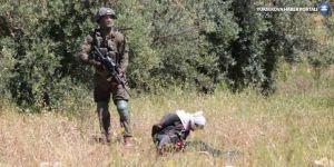 İsrail askerleri gözleri bağlı, elleri kelepçeli Filistinliyi vurdu