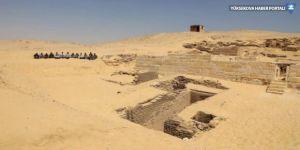 Mısır'da 4 bin 500 yıllık mezar keşfedildi