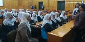 Anneler Meclis'te oturma eyleminde