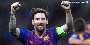 Messi, üst üste üçüncü kez Altın Ayakkabı'nın sahibi