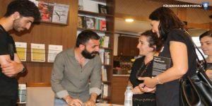 Özgür Amed Van'da okurlarıyla bir araya geldi