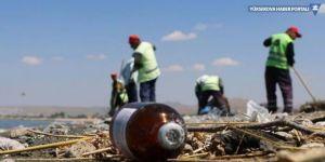 Van Gölü'nde kirlilik tehdidi: Günlük 8-10 ton çöp toplanıyor