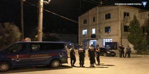 Denizli'de taciz iddiası: Mahalleli evi ateşe verdi