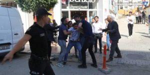 Van'da polis milletvekillere müdahale etti