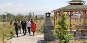 Başkale'de parklara otomatik sulama sistemi kuruldu