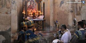 Akdamar Surp Haç Kilisesi'nde ayin yapıldı