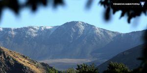 Esence Dağı'na kar yağdı
