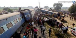 Kongo'da tren raydan çıktı: En az 50 ölü