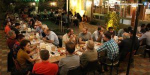 Kürt şair ve yazarlar yemekte buluştu
