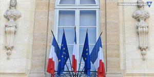 Fransa Türkiye'ye tüm silah ihracatını askıya aldığını duyurdu