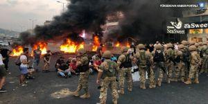Lübnan'da ekonomik kriz ve iletişim vergileri protesto edildi