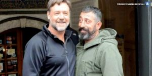 Cem Yılmaz'dan Russell Crowe paylaşımı: Sevenim çok!