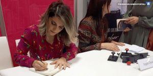 Başak Demirtaş, TÜYAP'ta Selahattin Demirtaş'ın kitaplarını imzaladı