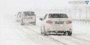 Kar ve tipi nedeniyle Van ve Bitlis'te ulaşım kontrollü sağlanıyor