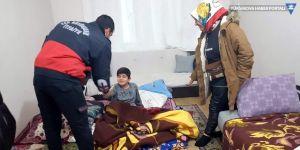 Van'da evde uyuyakalan çocuğu itfaiye ekipleri uyandırdı