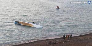 Van Gölü'nde göçmenleri taşıyan tekne battı