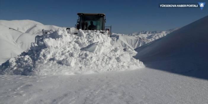 Hakkari'de 4 köy ve 13 mezra yolu ulaşıma kapalı