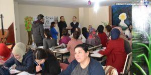 Yüksekova'da kadınlar için seramik kursu açıldı