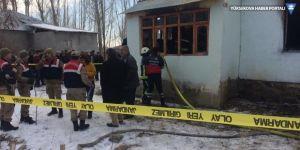 Erciş'te evde çıkan yangında iki kardeş öldü