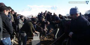 Çığ felaketinde yaşamını yitirenler toprağa veriliyor