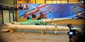 İran yeni balistik füzesini tanıttı