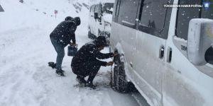 Yüksekova'da 66 köy ve mezra yolu ulaşıma kapandı