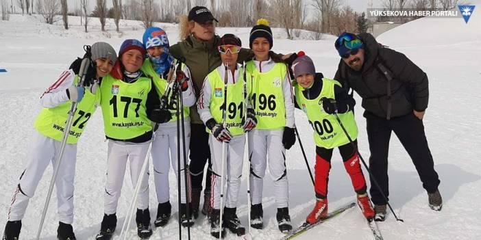Yüksekovalı sporcular Erzurum'dan 18 madalyayla döndü