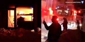 Yüksekova'da bir iş yerinde yangın çıktı