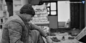 Van depremindeki ağıdıyla akıllara kazınan yurttaş kalp krizi geçirdi