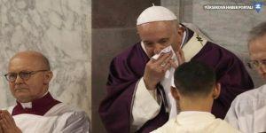 Papa'nın korona virüsü testi negatif çıktı