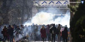 Yunanistan sınırında mültecilere gazlı saldırı