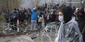 Kaçakçılar: 100 TL vereni Yunanistan'a geçiriyoruz