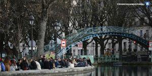 Fransa'da koronavirüs ve gripten ölenlerin sayıları karşılaştırıldı