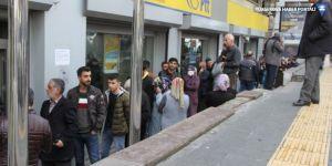 Diyarbakır'da PTT Şubeleri dolup taştı: Faturaları ödemezsek elektriği kesecekler