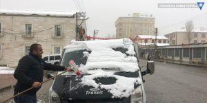Başkale'de kar etkili oldu