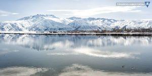 Yüksekova ovası ve Cilo dağlarından görüntüler - Dengbej Tiyarî'nin sesi eşliğinde