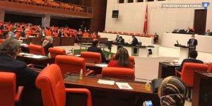 Meclis'e ziyaretçi yasağı 1 ay uzatıldı