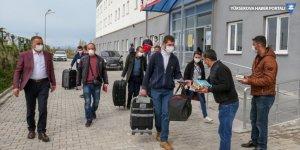 Van'da karantina süresi sona eren vatandaşlar memleketlerine uğurlandı