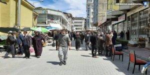 Van'da yasak sonrası sokaklar doldu taştı